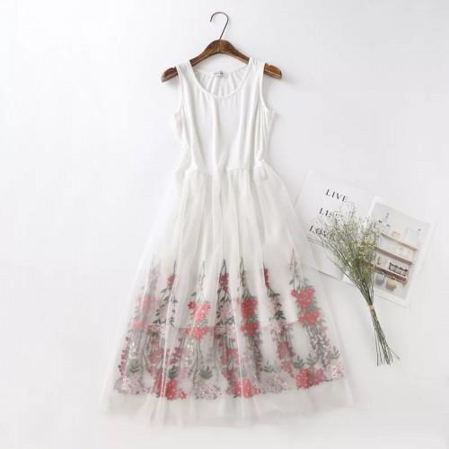 韓版輕紗刺繡背心連身裙