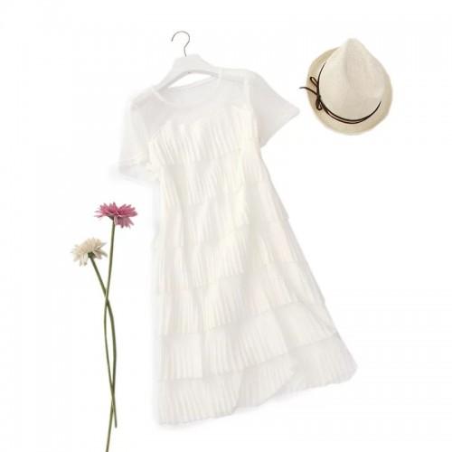 輕紗層層疊連身裙